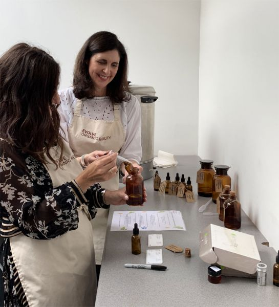Creating a custom blend facial oil at Evolve Beauty